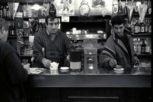 Karim au «Bar du Sabot» à St André (16é art.) 26/02/1991 ©J. Windenberger
