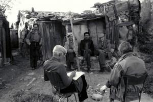 un groupe de Kabyle, anciens ouvriers des Tuileries, à La Lorette (16ème), © J. Windenberger